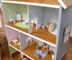 Interior Dollhouse CU P1060272