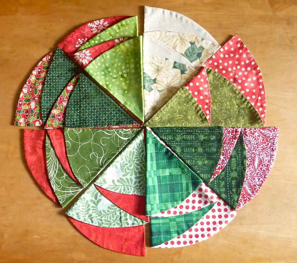 Easy Christmas Tree Napkins -- The Tamara Blog